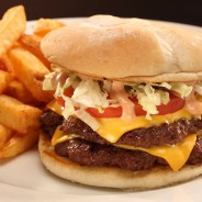 On décrypte la culture fastfood américaine : dans la catégorie reine du Burger